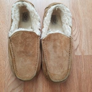 UGG | Tan Suede Slippers | SZ 9